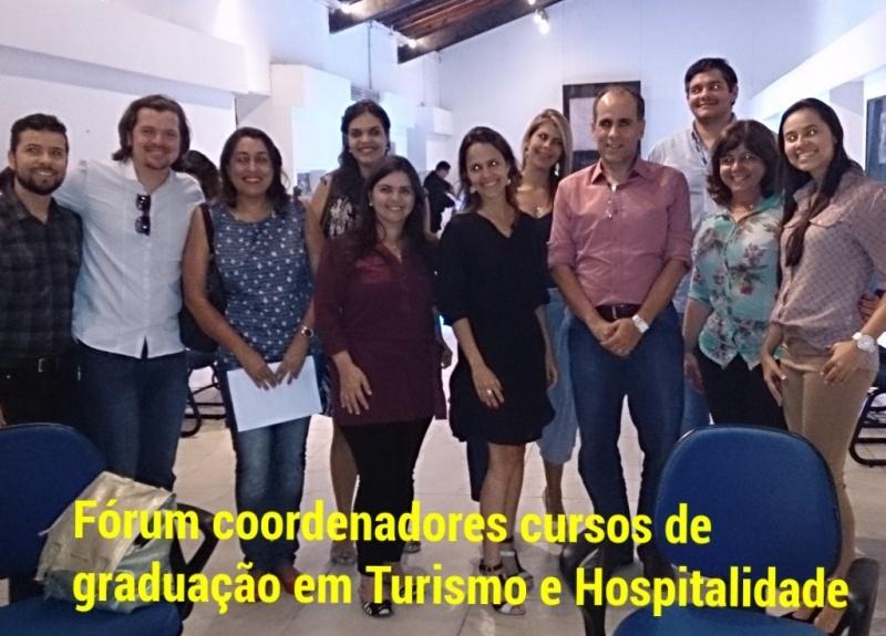 Coordenadores e Setur Recife_foto com legenda em pé